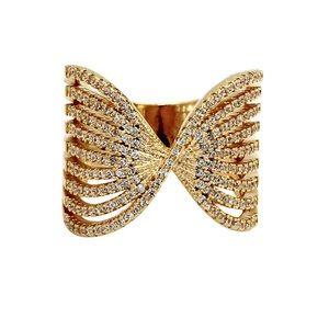Sparkling gold crystal powder ring